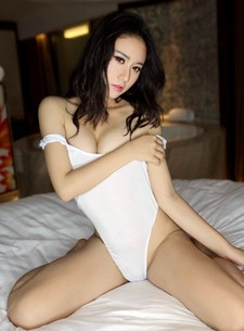 Chinese babe Sissi Shi Shi has released three new sexy photo shoots, in which she is..