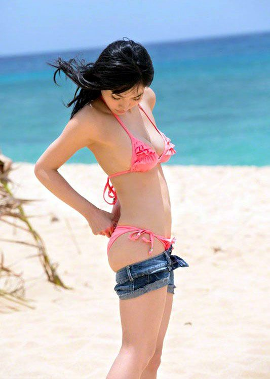 Before the day ends, you'll find more pictures of popular Japanese idol Anna Konno in..